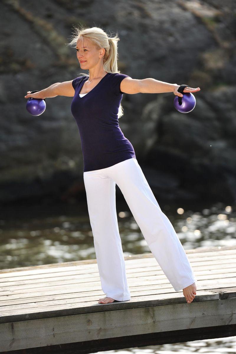 Bola-de-Tonificacao-Fitness--par--roxa-aprox-500g